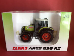 Universal Hobbies 1/32 Claas Ares 836 RZ Tractor No246-198.0 MIB