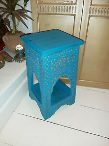 HAND CARVED SOLID MANGO WOOD INDIAN TEMPLE/DISPLAY TABLE IN INDIAN JODHPUR BLUE