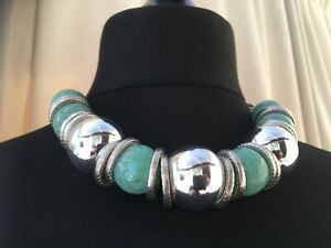 Statement silvertone chunky turquoise and silver necklace - N027