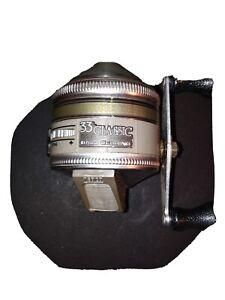 VINTAGE ZEBCO 33 CLASSIC SPINCASTING REEL