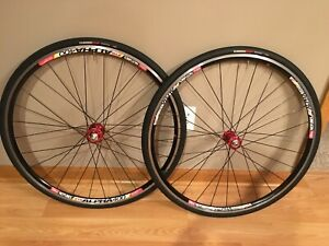 Chris King R45/No-Tubes Alpha 11sp Road Wheelset - Red, 28H, w/Specialized Tires