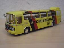 "Schuco-MB o303 transportait ""RF d'Allemagne/WM' 74"" Nº 45 261 5700 - 1:87"