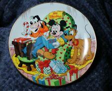 "Vtg Disney Christmas Plate, Grolier, 1991 ""The Night Before Christmas"""