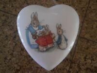 VINTAGE Beatrix Potter Peter Rabbit Trinkit Box Wedgewood Etruria & Barlaston