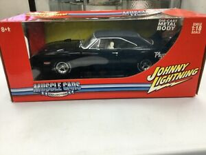 1:18 Johnny Lightning muscle cars collection 1970 Plymouth Superbird