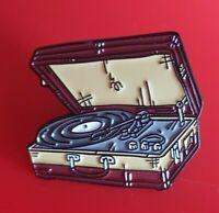 Old School Record Player Pin Enamel Metal Brooch Lapel Badge Vinyl Cosplay Gift