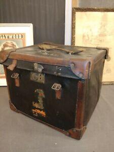 Antico baule da viaggio in cuoio 1880