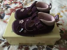clarks baby shoes size 2 F