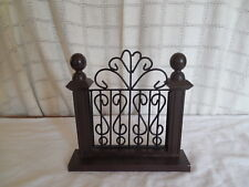 Boyds bears metal & wood fence section bookend, display piece nice design