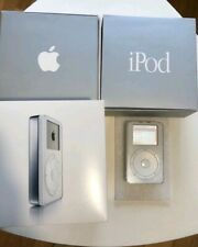 iPod First Generation. M8541 with 5GB. Very good conditions!!! For collectors.