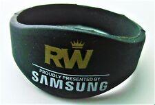 ROBBIE WILLIAMS MEMORABILIA / MERCHANDISE - Official Limited Edition Wristband
