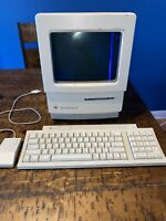 Vintage Apple Macintosh Classic II Home Computer and Mouse.(Parts) Description.