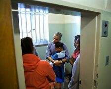 PRESIDENT BARACK OBAMA AND FAMILY STAND IN MANDELA'S CELL - 8X10 PHOTO (DA-502)