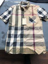 burberry men shirt small ( Slim Fit)