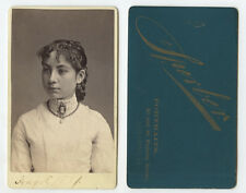 CDV STUDIO PORTRAIT YOUNG LADY W/ CAMEO FROM PITTSBURGH, PA