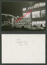 Berlin Kurfürstendamm Nachtszene Omnibus Cafe Kranzler Leuchtreklame Neon 1961