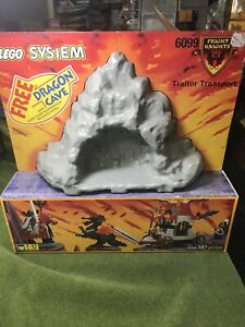 LEGO 6099 Castle: Fright Knights TRAITOR TRANSPORT w/ CAVE