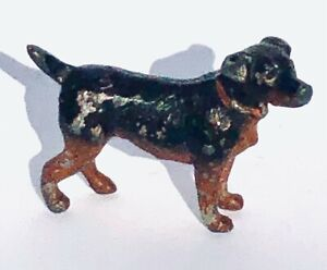 ANTIQUE SOLID CAST COLD PAINTED BROWN & BLACK DOG - LOT 27