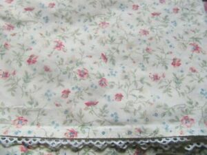 LAURA ASHELY 3 PIECE 1 KING FLAT SHEET 2 KING CASES TINY FLORAL PRINT PINK-CORAL