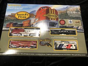 Bachmann HO Santa FE Flyer HO Train set Good Condition #3