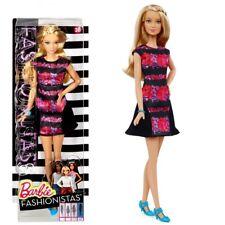 Robe Florale Noire Barbie | Mattel DMF30 | Tall Fashionistas 28 | Poupée