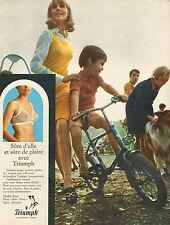 Publicité  Print AD 1968  Lingerie Triumph soutien gorge slip gaine panties