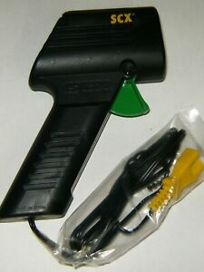 SCX 1/32 Slot Car Hand Controller Speed Throttle (1)  Red Or Green SCX86980