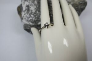 Vintage Diamant Solitär Ring / Damenring 585 Gold / Weißgold 0,05ct Blütenring