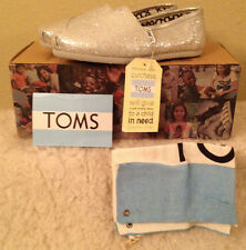 NWT TOMS Classics SILVER GLITTER Flats Shoes Womens size 6 M
