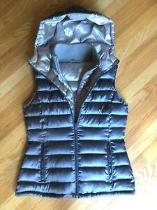 NEW Bernardo Women's Packable Goose Down Puffer Vest w/ Hood Small Silver