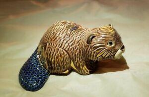 Artesania Rinconada J&J Carbajales De Rosa Collection gold beaver