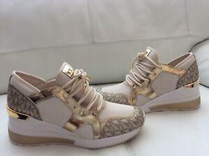 NEW Michael Michael Kors Women  Sneaker Size 6,5 M
