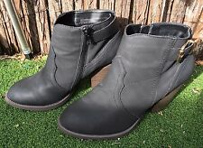 GIRL XPRESS BLACK  MID BLOCK HEEL BOOTS SIZE 8  -   little signs of worn