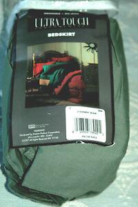NIP Westpoint Stevens King Green Bed Skirt Dust Ruffle NEW Platform Bedskirt