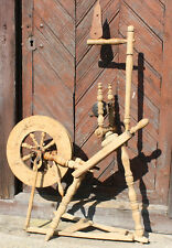 Antique primitive Saxonian wooden spinning wheel, early 19th century