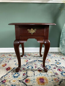 Broyhill Furniture Solid Cherry Traditional Style Oval Accent End Table