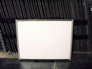 """SB680 77"""" Smart Board Interactive Board with 4 Pens, Eraser, Pen Tray and Cable"""