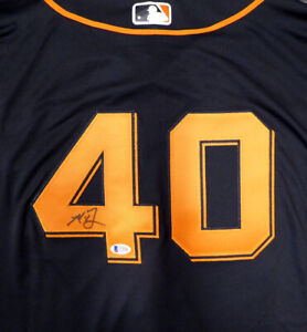 GIANTS MADISON BUMGARNER AUTOGRAPHED AUTHENTIC MAJESTIC JERSEY 52 BECKETT 125142