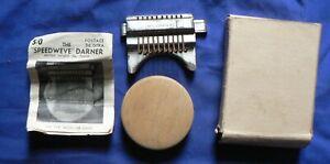 The Speedweve Darner, The Wonder Miniature Loom, with instructions [CVSRT]