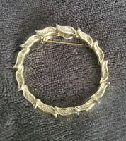 Gerry's Vintage goldtone leaf wreath Brooch costume jewellery