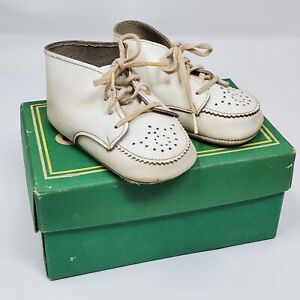 Vintage Stride Rite Infant Crib Leather Shoes Style 1109 Size 2 White Pre-Walker