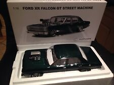 "Ford XR Falcon GT ""STREET MACHINE"" - 1:18 / AUTOart"