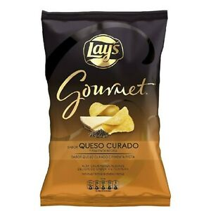 LAYS GOURMET QUESO CURADO & PIMENTA NEGRA FLAVOUR 150G POTATO CHIPS CRISPS
