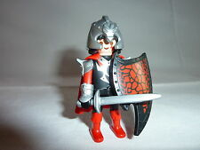 PLAYMOBIL  personnage chateau soldat le chevalier arme n°6