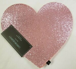 NWT Cynthia Rowley Valentines Day Pink Sparkle Heart Set of 2 Placemats Love