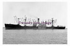 mc5175 - American Cargo Ship - Windjammer Polly - photograph