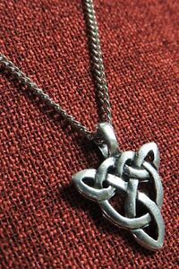 Triquetra Celtic Pendant Endless Knot Irish Iona Medieval Silver Pewter Necklace