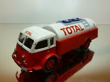 CORGI TOYS RENAULT TANKER TRUCK - FAINEANT CITERNE TOTAL - RED 1:50? - VERY GOOD
