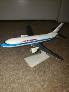 Piedmont airlines 737 Desktop Display Model