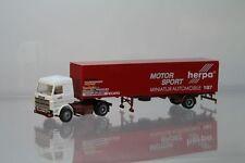 """Herpa Scania 143 Koffersattelzug """"Herpa Motorsport"""" Nr. 822054   /H1965"""